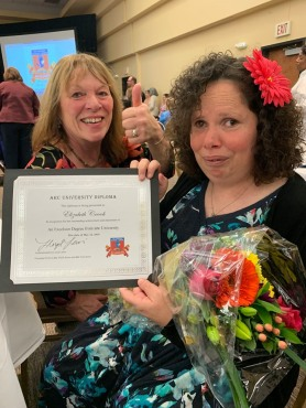 Graduation 2019 Carol Lizzie